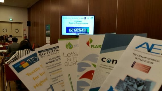 AEI Tèxtils distributed leaflets of the LIFE-FLAREX project in an international cluster collaboration event